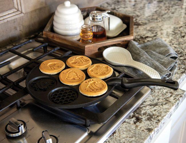 Nordic-Ware-Bee-Pancake-Stovetop